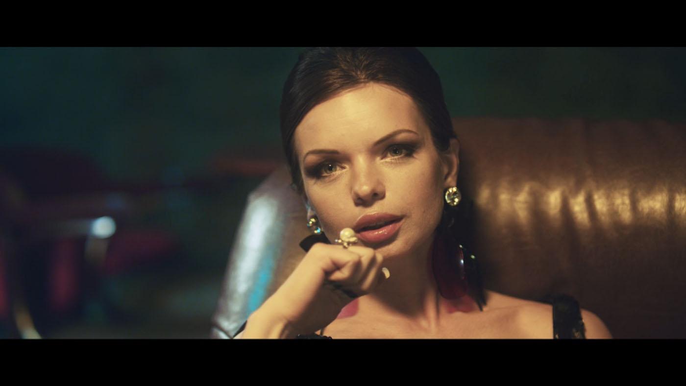Увидел фильм секс сигареты проведенное Русском