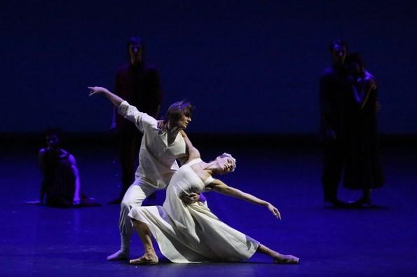 Премьеру Вечера одноактных балетов в огромном  театре покажут повсей планете